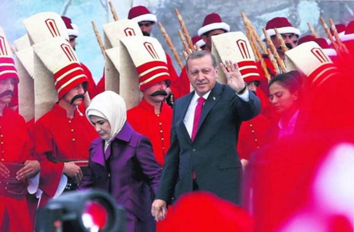 CARE - Lovitura de stat a lui Onan si pizdificarea lui Erdogan sultan 04%20-%20Erdogan%20si%20Ieniceri%20-%20sursa%20newobserver