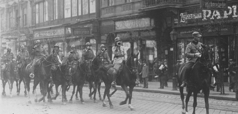 4 August 1919: Ziua cuceririi Budapestei de către Armata Română. Medalia unui ION care a ajutat la urcarea tricolorului pe Parlamentul din Capitala ungurilor de pretutindeni