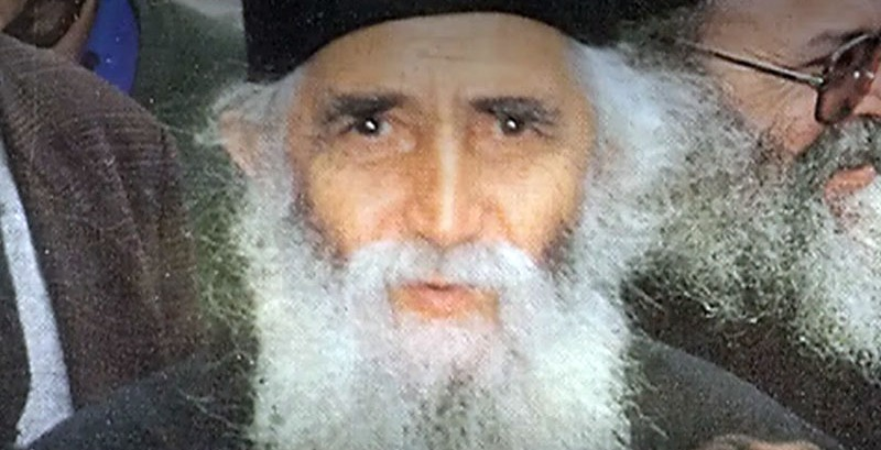 Profeția Sfântului Paisie Aghioritul din anii 1991-1992: Din Siria va începe al treilea război mondial. Turcia va fi căsăpită de ruși și sfâșiată. Marile orașe vor deveni ruine. Cei care vor participa la acest război se vor pierde