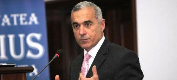 Călin Georgescu: Toate pierderile României de la Ștefan cel Mare încoace sunt mai mici decât ce a pierdut România în acești 26 de ani. În această perioadă, România a pierdut peste un trilion de euro. Capitalul străin este cel care deține puterea
