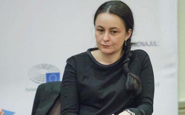 Jurnalista Sidonia Bogdan, jignită grobian de către Andrei Caramitru, după ce i-a cerut public USR-istului să-și declare sursele de venit