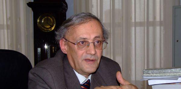 Prof. Vasile Astărăstoae, despre erorile testărilor covid-19: Mă îndoiesc să existe personal în 130 de laboratoare, cum zice Orban. Mai grav e că, pe baza acestui rezultat, oamenii sunt introduși într-un mediu în care virusul este foarte concentrat