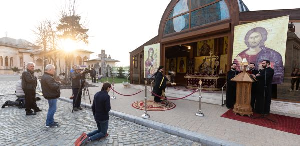 """Expert OSCE, după plasarea României pe lista rușinii: """"Autoritățile trebuie să mențină un dialog constant și la vedere cu reprezentanții tuturor organizațiilor religioase, pentru a adapta din mers restricțiile în acord cu spiritul democratic"""""""