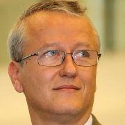 Dr. Răzvan Constantinescu