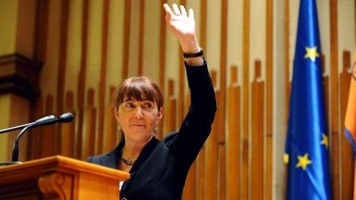 PDL, PSD şi PNL şi-au dat mâna în Parlamentul European, pentru a susţine comunitatea LGBT. Obiectivul Monicăi Macovei: Acum, în România, rămâne de legiferat uniunea între persoanele de acelaşi sex