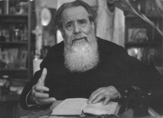 96 de ani de la nașterea Părintelui Constantin Galeriu. BIOGRAFIA unuia dintre cei mai importanți duhovnici ai Ortodoxiei române