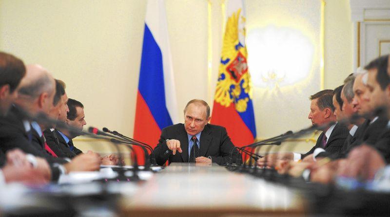 Putin vorbeşte pentru prima dată despre un NOU STAT în Ucraina