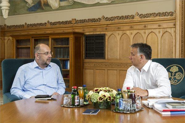 Un reprezentant al Guvernului României RECUNOAŞTE PUBLIC că UDMR nu este partid politic, ci ONG