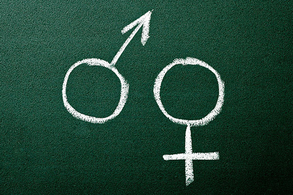 Polonia: Sute de mii de oameni cred că educația sexuală ÎN ȘCOLI poate provoca comportamente deviante