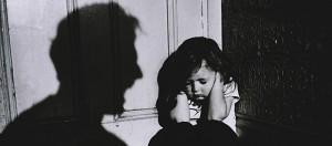 Violenţa asupra copilului îl influenţează pe acesta şi când e adult