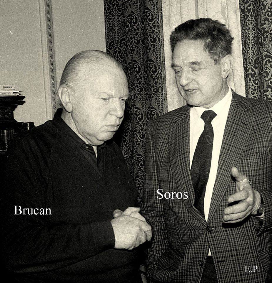 FOTO: George Soros la sediul GDS in 1990