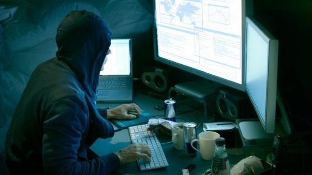 GRAV: SRI va avea acces la orice calculator. Legea securităţii cibernetice a fost votată de Senat
