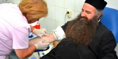 Patriarhia lansează un proiect de donare voluntară de sânge în şcoli, facultăţi şi biserici