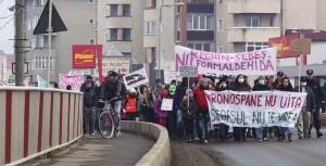 Sebeş. Protestele contra austriecilor de la Kronospan se amplifică VIDEO