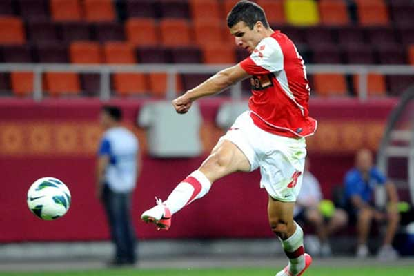 Încă un fost dinamovist va juca la Steaua. Ţucudean, noul atacant al echipei din Ghencea