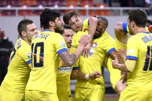 FC Steaua București câștigă meciul cu Dinamo și-și păstrează șansele la titlul din Liga I
