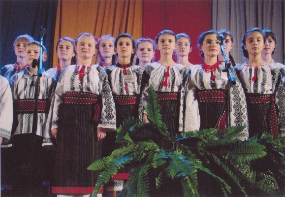 Un mic pas înainte pentru românii din Ucraina: se inaugurează Şcoala Populară de Artă şi Civilizaţie Românească