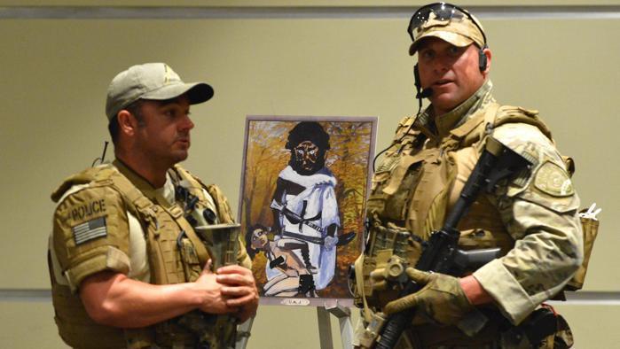 Atac armat asupra unei expoziții de caricaturi cu profetul Mahomed, în Texas. Poliția i-a ucis pe atacatori